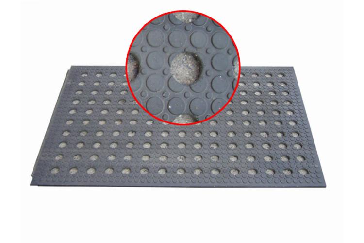 Interierová hladká děrovaná (díry o 40 mm)